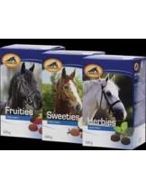 Cavalor Fruities - лакомство награда за коне, с витамини, минерали и горски плодове - 500 гр.